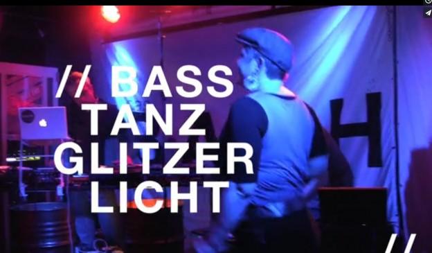 Bass, Tanz, Glitzer, Licht